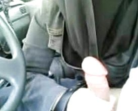 Desi Bhabhi gargling man sausage Lick Jizm car Deep throat in UK hijab muslim