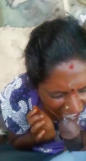 Tamil Mature older Mommy deep throating her sons in law mate - Jism in throat