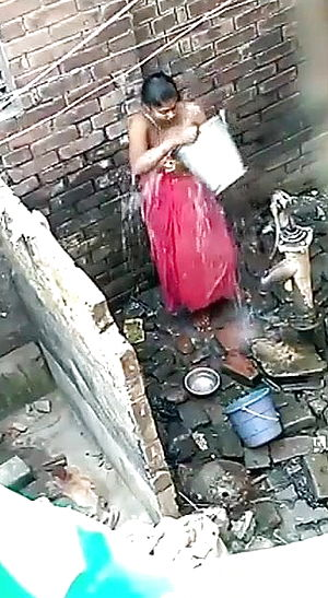 Indian gal bathing movie taken hidden