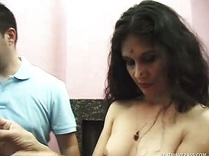 Indian stomach dancer is a fine cockblower and she luvs to plow