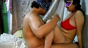 Amateur Indian lady Savita is getting shaft