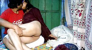Indian duo has hook up in the homemade unexperienced act