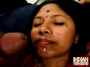Indian Babe Gets Facial cumshot In A threesome