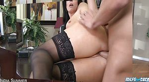 Experienced Knob Sucker Gets Boned In Tights And Stilettos