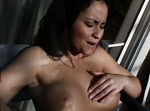 Jinni Lewis and Luna Blanca slurp out each others cooters and have joy with faux cocks