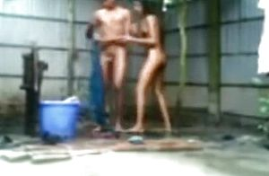 Indian gal showers with her beau outside and pulverizes